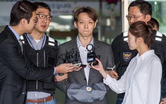 [단독] 박유천, '성폭행 피해자'에 배상 안 해 감치재판 선다 | 인스티즈